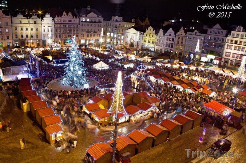 Fotka, Foto Vánoční trhy na náměstí Republiky v Plzni