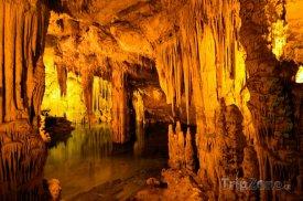 Vnitřek jeskyně Grotta di Nettuno