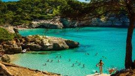 Zátoka na ostrově Menorca